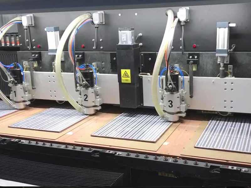 4 spindle drilling and routing machine